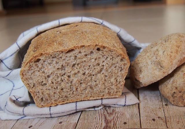 Puszysty chleb pszenny graham ze słonecznikiem, z automatu lub piekarnika