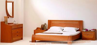 Juego de dormitorio de madera en San Borja