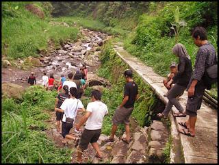 Akses Menuju Air Terjun Madakaripura