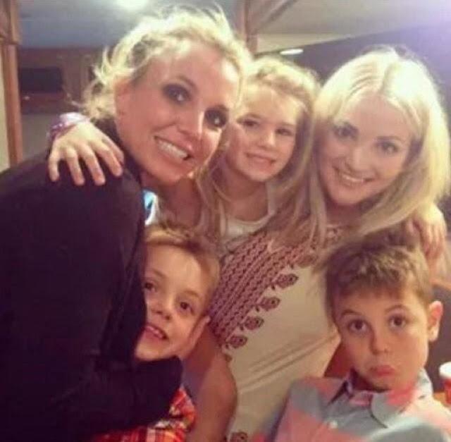 Taylor Lautner revela que Britney Spears trató de emparejarlo con Jamie Lynn Spears