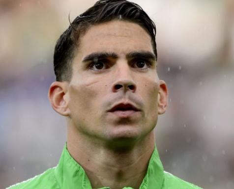 Algerian defender, Carl Medjani retires from international football
