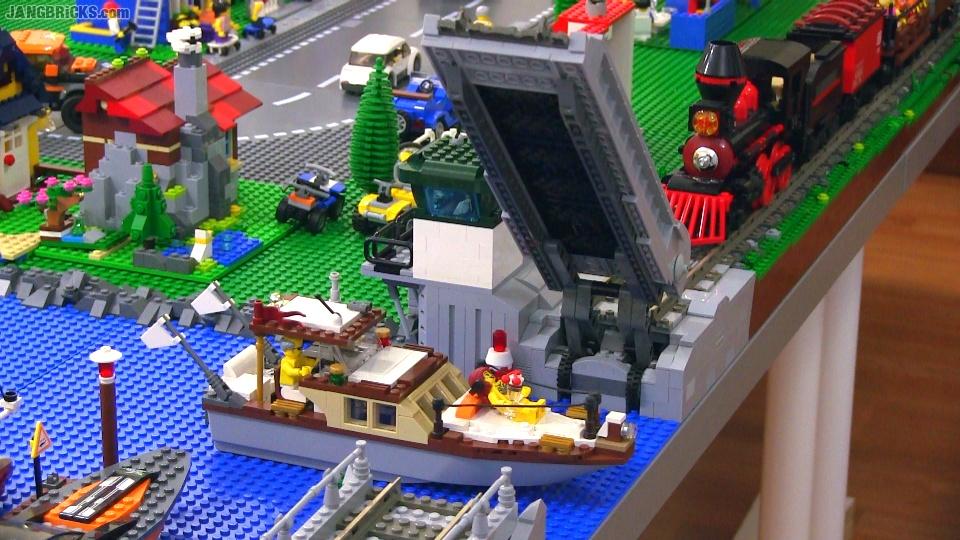 Working LEGO train drawbridge MOC complete!