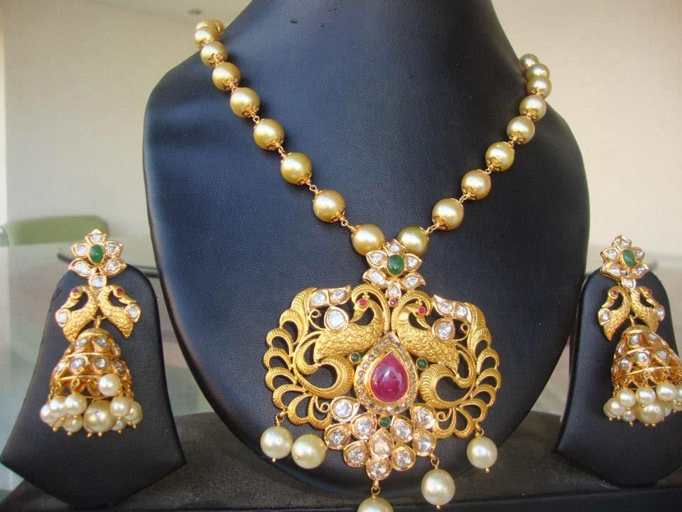 aa52b90b5c199 South Sea Pearls Mala with Uncut Diamond Pendant Set   Latest Gold ...