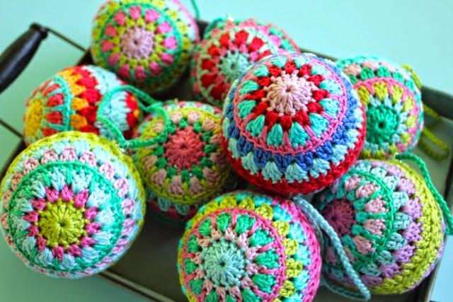 Little Woollie Crochet Christmas Baubles Love