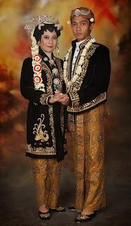 Contoh Foto Dan Baju Pengantin Adat Jawa