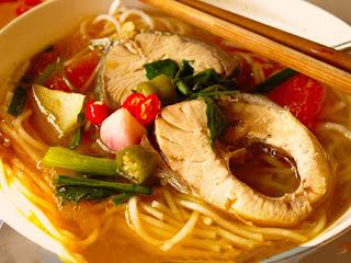Bún cá là món ăn ngon đặc sắc của vùng sông nước miền Tây Cần Thơ, hương vị hấp dẫn.