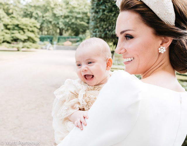 Kolejne oficjalne zdjęcie z chrzcin księcia Louisa