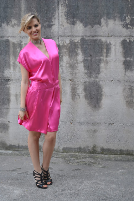 outfit fucsia abito fucsia come abbinare il fucsia outfit agosto 2016 outfit estivi summer outfits august outfit fucsia dress how to wear fucsia mariafelicia magno fashion blogger web influencer fashion blog italiani blog di moda blogger italiane di moda