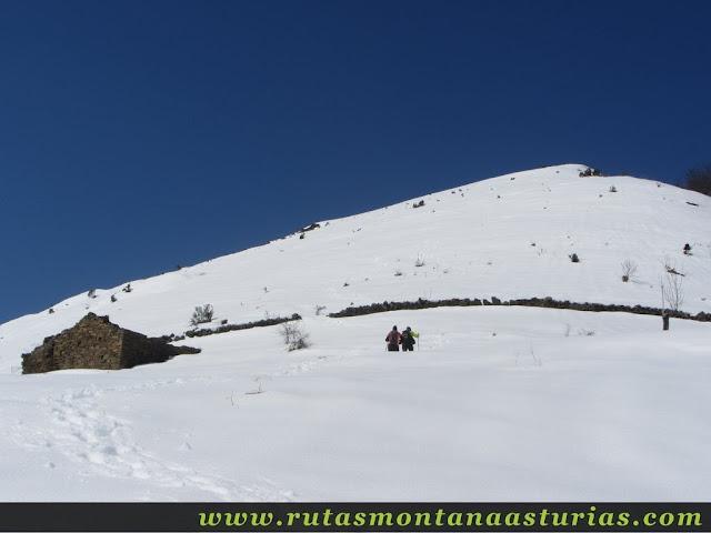 Subiendo la Burra Blanca con nieve