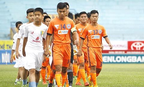 Đội hình chuẩn bị trước khi ra sân