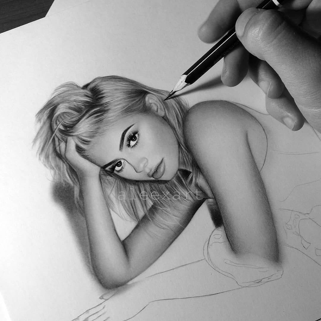 06-Kylie-Jenner-WIP-Alex-Manole-Celebrities-Drawn-in-Realistic-Portraits-www-designstack-co