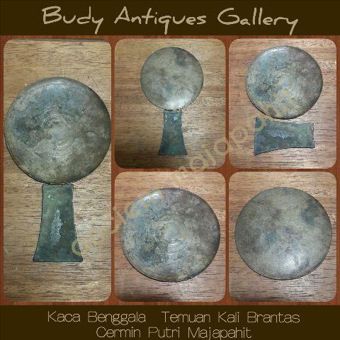 Budy Antiques Gallery Kaca Benggala Putri Majapahit