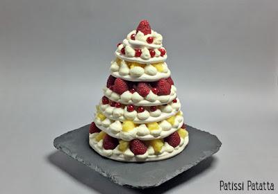 pavlova en hauteur, dessert de pâques, tutoriel vidéo, pavlova en vidéo, pavlova comme un wedding cake