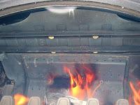 二次燃焼バルブとバッフルプレート