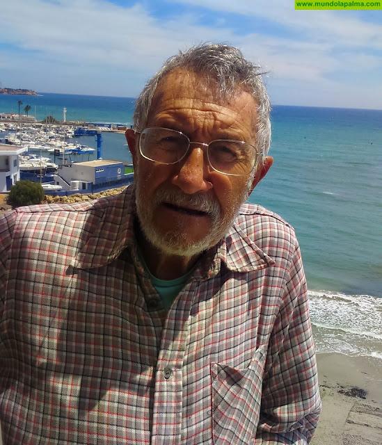 El experto en vulcanismo Alfredo Hernández-Pacheco presenta un mapa geológico de la isla de La Palma