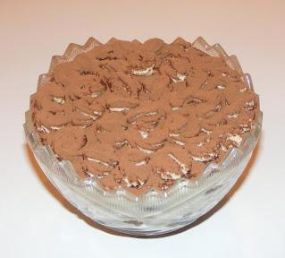 Tort tiramisu reteta de casa cu piscoturi de cacao retete desert prajitura tort italian cu oua mascarpone zahar cafea,