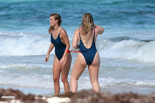 Iskra+Lawrence+and+Nina+Agdal+in+Sexy+Swimsuit+Wet+Girls+%7E+SexyCelebs.in+Exclusive+019.jpg