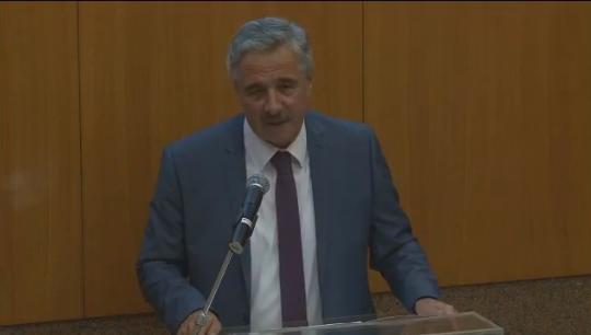 """Ανακοίνωσε την υποψηφιότητά του ο Γιάννης Μανιάτης - """"Είμαι υπέρ ενός νέου, ενιαίου, πλειοψηφικού Κινήματος Προοδευτικών Πολιτών"""" (βίντεο)"""