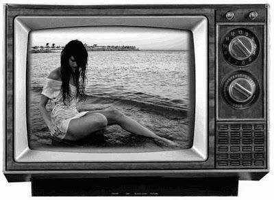 Personas en Reino Unido aún ven la televisión en blanco y negro