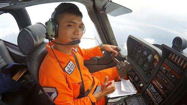 Ipda Arly Polisi Udara Lulusan Terbaik Sekolah Pilot di Banyuwangi