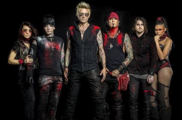 SIXX:A.M. - Prayers For The Blessed Vol.2 (2016) inside