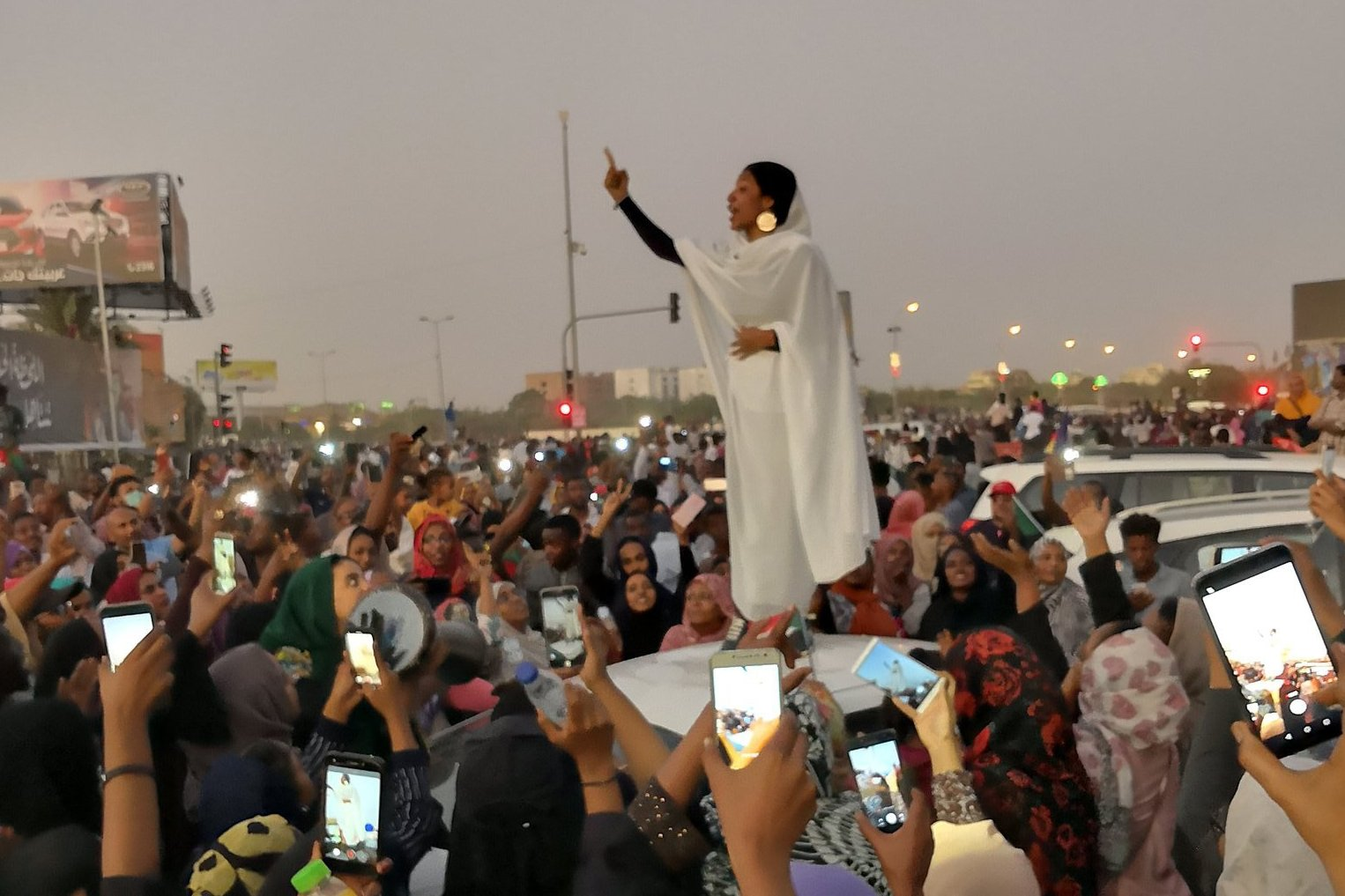 <African Union gives Sudanese military two weeks to hand over power