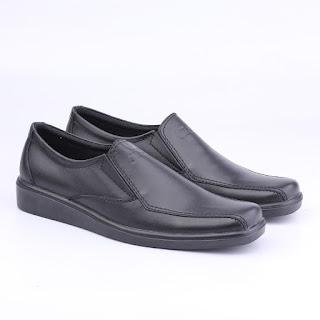 sepatu kerja tanpa tali,grosir sepatu kerja cibaduyut,toko sepatu cibaduyut online,gambar sepatu kerja garsel,gambar sepatu formal hitam kulit asli