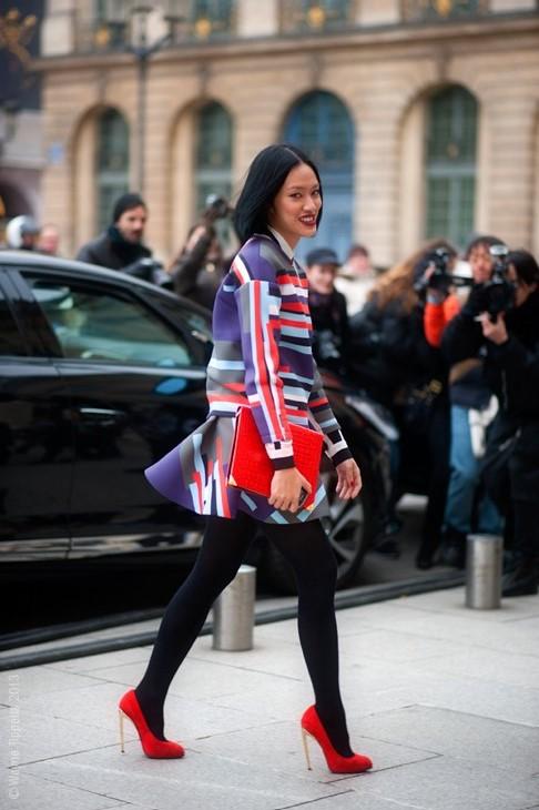 street style zima, modnie zimą, skórzane kurtki, moda dodatki, w jej stylu, kobiety, olivia palermo