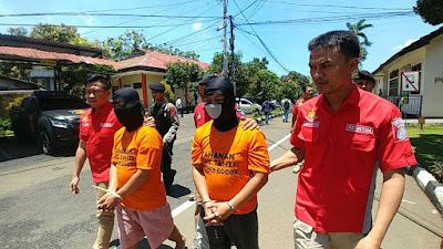 Saudara Kembar, Pembunuh Wanita Bertato Hello Kitty di Bogor