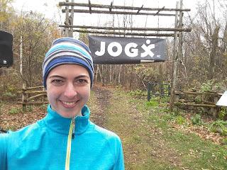 Coureuse, départ de course, Jog-X, trail, mont Rigaud l'automne