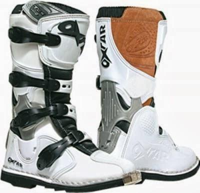 Bra I Huvudet på Hojåkaren : These Boots are made for riding ST-01