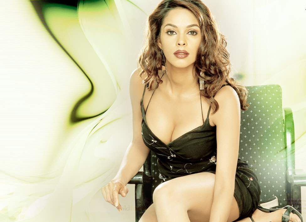Malika sheravat sexy pics-3658