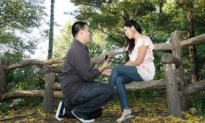 8 Ways to Propose to Your Girlfriend,asian feet girl woman couple man park woods
