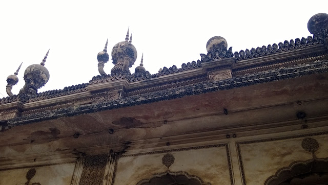 Another view of the Pineapple shape stucco work of the paigah family tombs