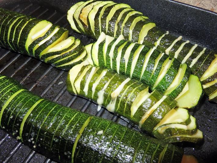 Zubereitung Hasselback Zucchini