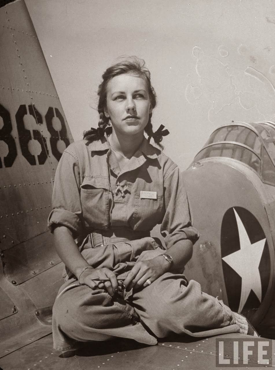 Photos of Girl Pilots Training Flights at Avenger Field in ...