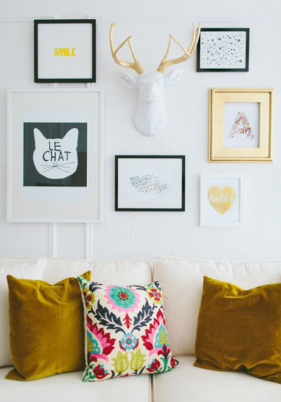 LOVE OR NOT: Faux taxidermy on wall | Image via The Everygirl