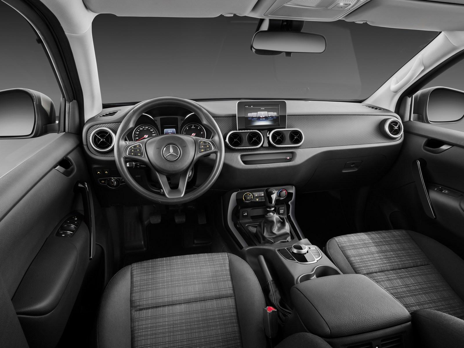 Mercedes-X-Class-97