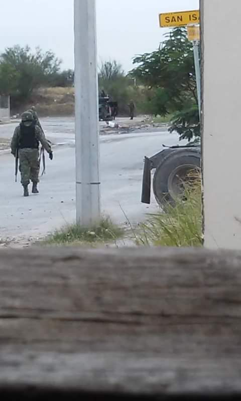 IMAGENES y VIDEOS del Enfrentamiento entre SEDENA y Civiles Armados deja 1 delincuente herido y 2 detenidos en Villas de San Miguel