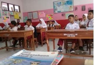 Poto siswa SD menjelang pelaksanaan UTS, PTS, https://riviewfile.blogspot.com/