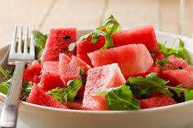 البطيخ وعصير السبانخ لنقص الوزن