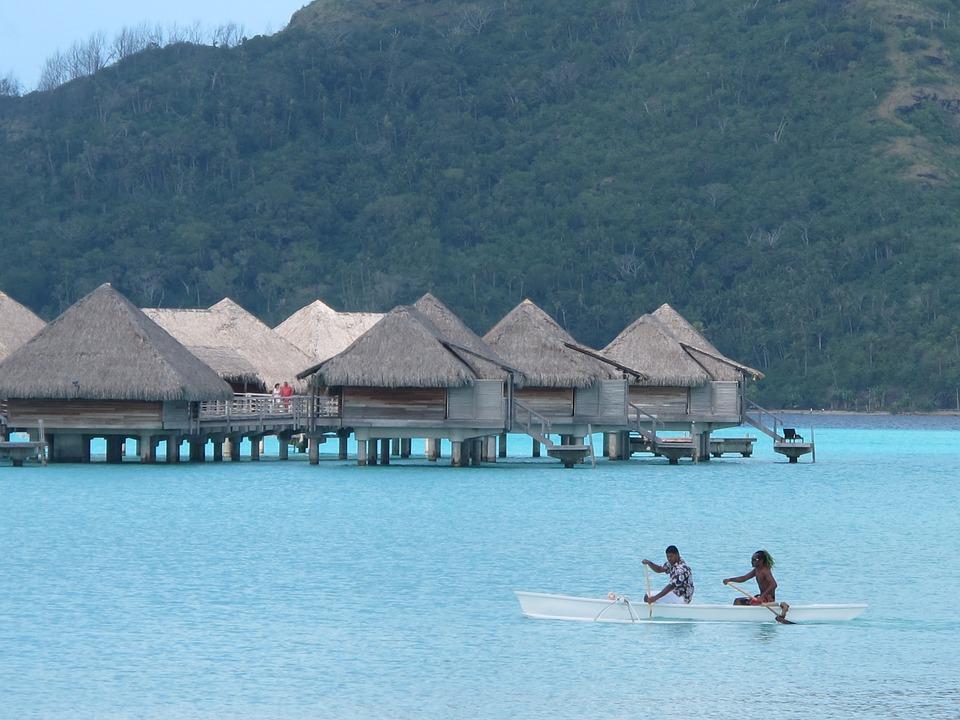 Bora-Bora, Maldives, dan Bali. Mana yang lebih Menarik?