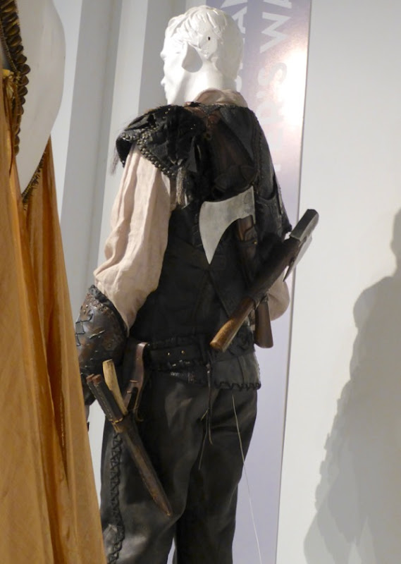 Huntsman Winters War Eric costume back