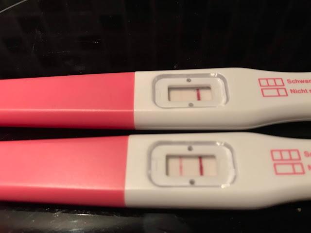Schwangerschaftstest, schwach positiv und richtig gut sichtbar positiv!