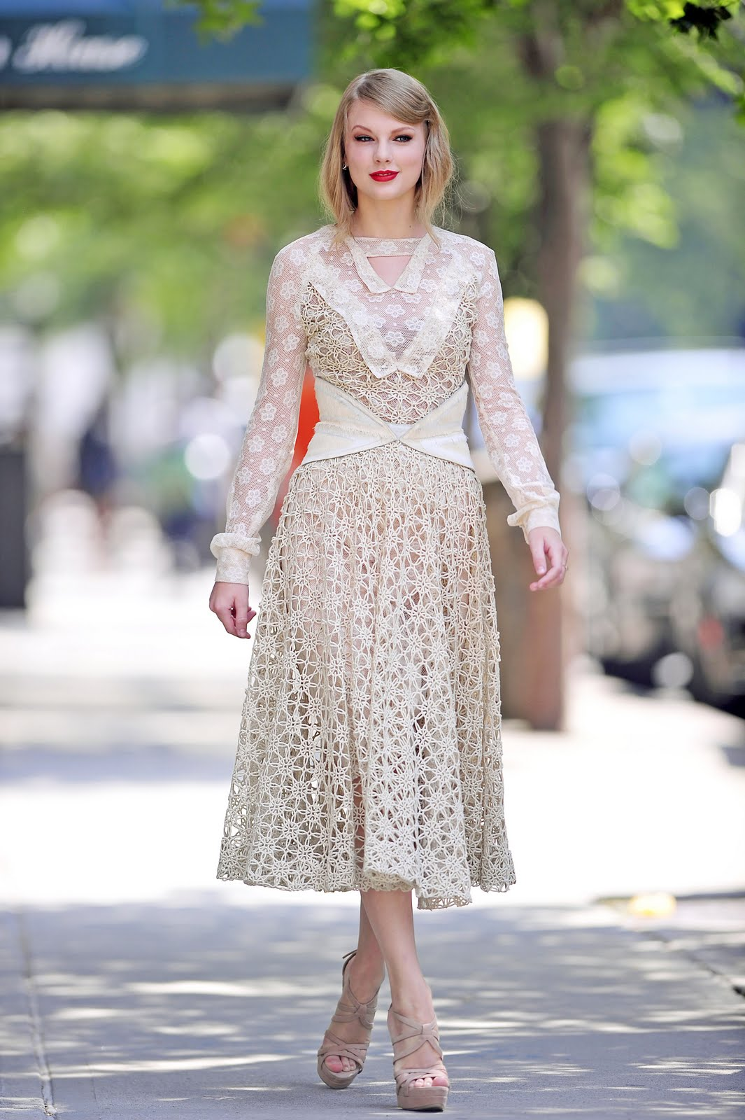 Taylor attended the the Rodarte Spring 2012 Fashion Show at Mercedes-Benz  Fashion Week in New York City! She looked absolutely stunning! 1c09a0a0c01