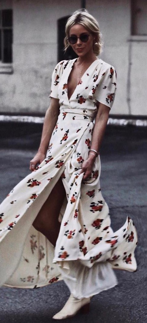 cute outfit idea: maxi printed dress
