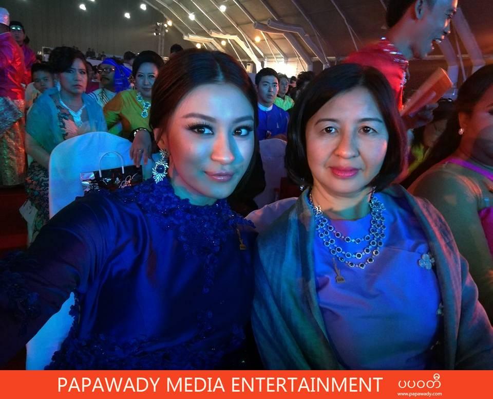 Academy Fashion - Wut Mhone Shwe Yi Wins Academy Award