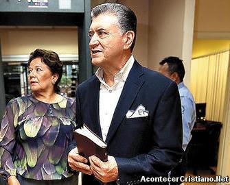 Pastor Evelio Reyes