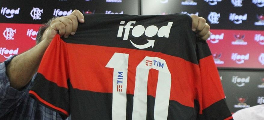 4da46d8048 Aplicativo volta ao uniforme e ocupará as mangas do uniforme rubro-negro  até o final do Brasileirão