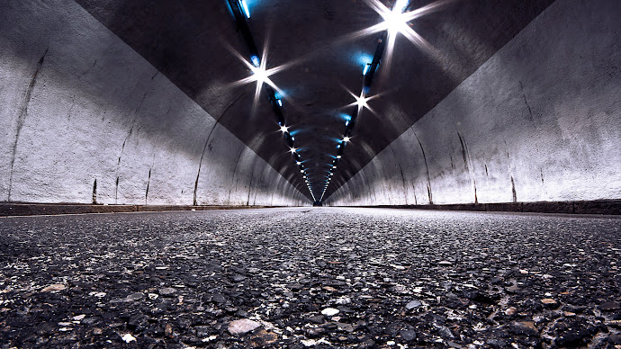 Wallpaper: Inside the Tunnel